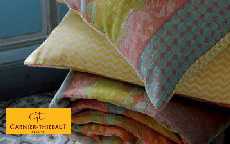 Garnier Thiebaut Coussin carré Coussins Oreillers Linge de Maison  |