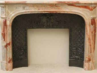 GALERIE MARC MAISON - cheminée de style régence en marbre sarrancolin - Manteau De Cheminée