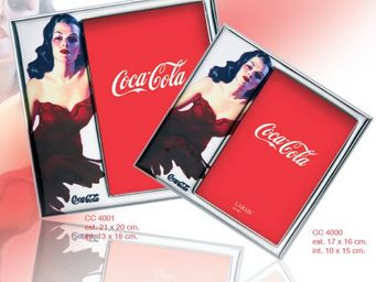 COCA-COLA BY LARMS GROUP -  - Cadre Photo