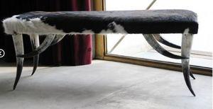 LA CABANE DE L'OURS - grand banc pied en cornes - Banc