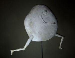 MALIFANCE ICI LA TERRE - homme caillou lune - Sculpture