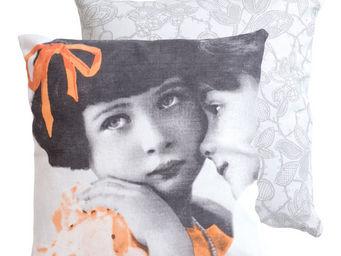 Orval Creations - coussin romance (mod�le 1) 40 x 40 cm - Coussin Enfant