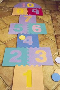Traditional Garden Games - jeu de marelle géante en mousse 10 cases - Puzzle