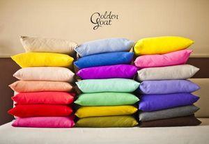 GOLDEN GOAT -  - Coussin Carr�
