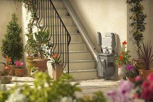 Stannah Lifts -  - Monte Escalier Extérieur