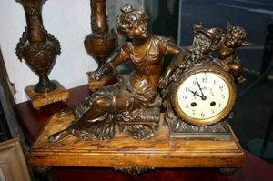 Boutique Antiquidees -  - Horloge À Poser