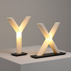 Cordula Kafka - xy - Lampe � Poser