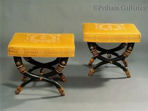 Pelham Galleries - London -  - Tabouret En X
