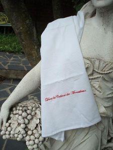 Dans les Jardins des Monastères - nid d'abeilles brodé - Torchon