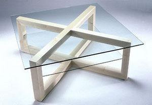 Toby Winteringham - tangent - Table Basse Carrée