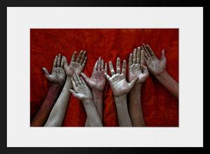 PHOTOBAY - holi hands - Photographie