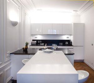 cuisine contemporaine cuisines compl tes decofinder. Black Bedroom Furniture Sets. Home Design Ideas