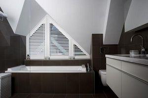 DECO SHUTTERS - shutters en peuplier massif - Store Pour Ouvertures Triangulaires