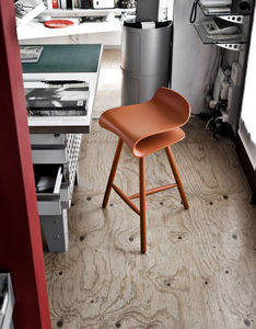Kristalia - bcn wood base - Tabouret