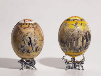 Greggio - ostrich egg with sterling base - savana - Oeuf D�coratif