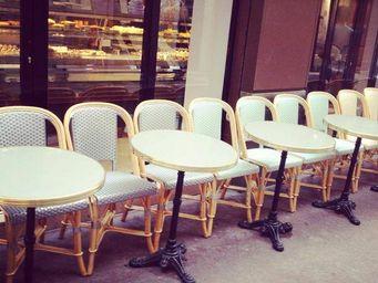 Ardamez - table de bistrot émaillée réséda / laiton / fonte - Table Bistrot