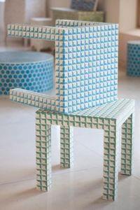 MANGLAM ARTS -  - Bout De Canapé