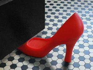 WHITE LABEL - stop-porte style chaussure � talons bloc porte noi - Cale Porte