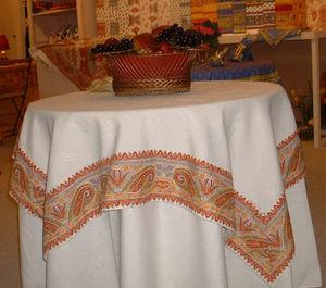 Marat D'avignon -  - Boutis De Table