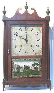 KIRTLAND H. CRUMP - mahogany pillar and scroll shelf clock - Horloge � Poser