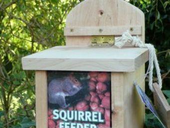 Wildlife world - squirrel feeder - Mangeoire À Écureuil