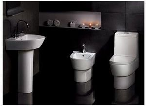 Amber Leisure - bohemia pottery suite with bidet - Salle De Bains
