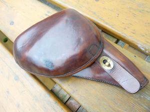 La Timonerie Antiquités marine -  - Pistolet Et Révolver