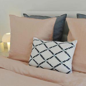 MAISON D'ETE - taie d'oreiller lin lavé blush bourdon ton sur to - Taie D'oreiller