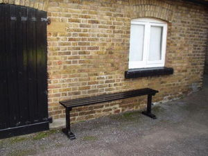Branson Leisure -       hadham stable bench    hadham stable bench - Banc De Jardin