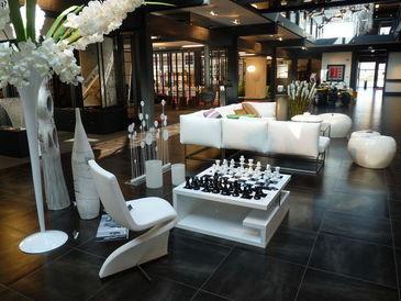 le fou jeu d 39 checs aluminium echiquier fumex decofinder. Black Bedroom Furniture Sets. Home Design Ideas