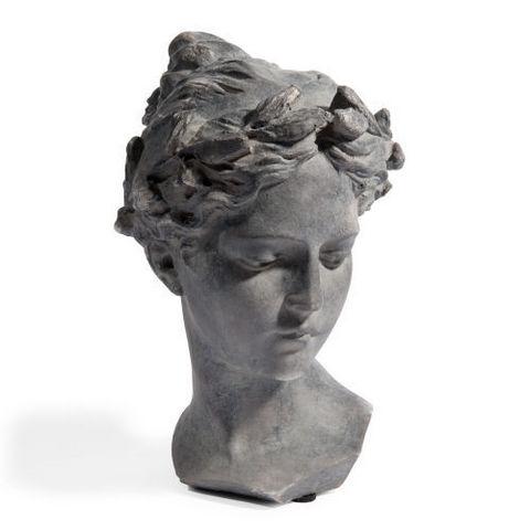 Buste v nus gris sculpture maisons du monde for Lampada piantana maison du monde