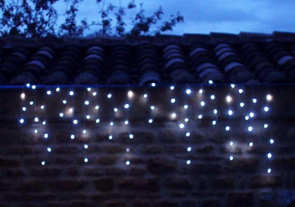 Guirlande solaire rideau 80 leds blanches 3m80 guirlande - Guirlandes lumineuses solaires exterieures ...