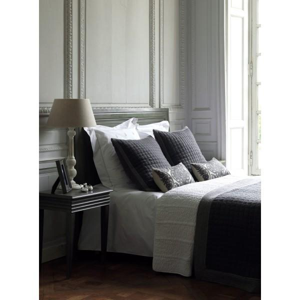 milan flanelle gris boutis blanc d 39 ivoire decofinder. Black Bedroom Furniture Sets. Home Design Ideas