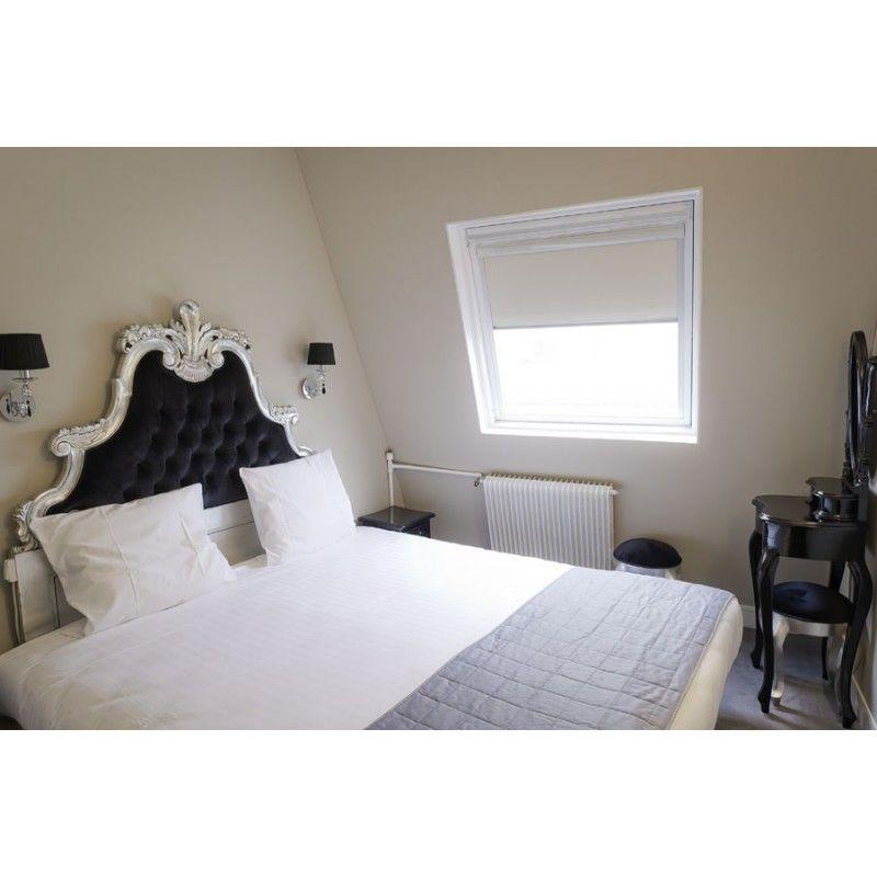 t te de lit sculpt e en bois argent et velours no t te. Black Bedroom Furniture Sets. Home Design Ideas
