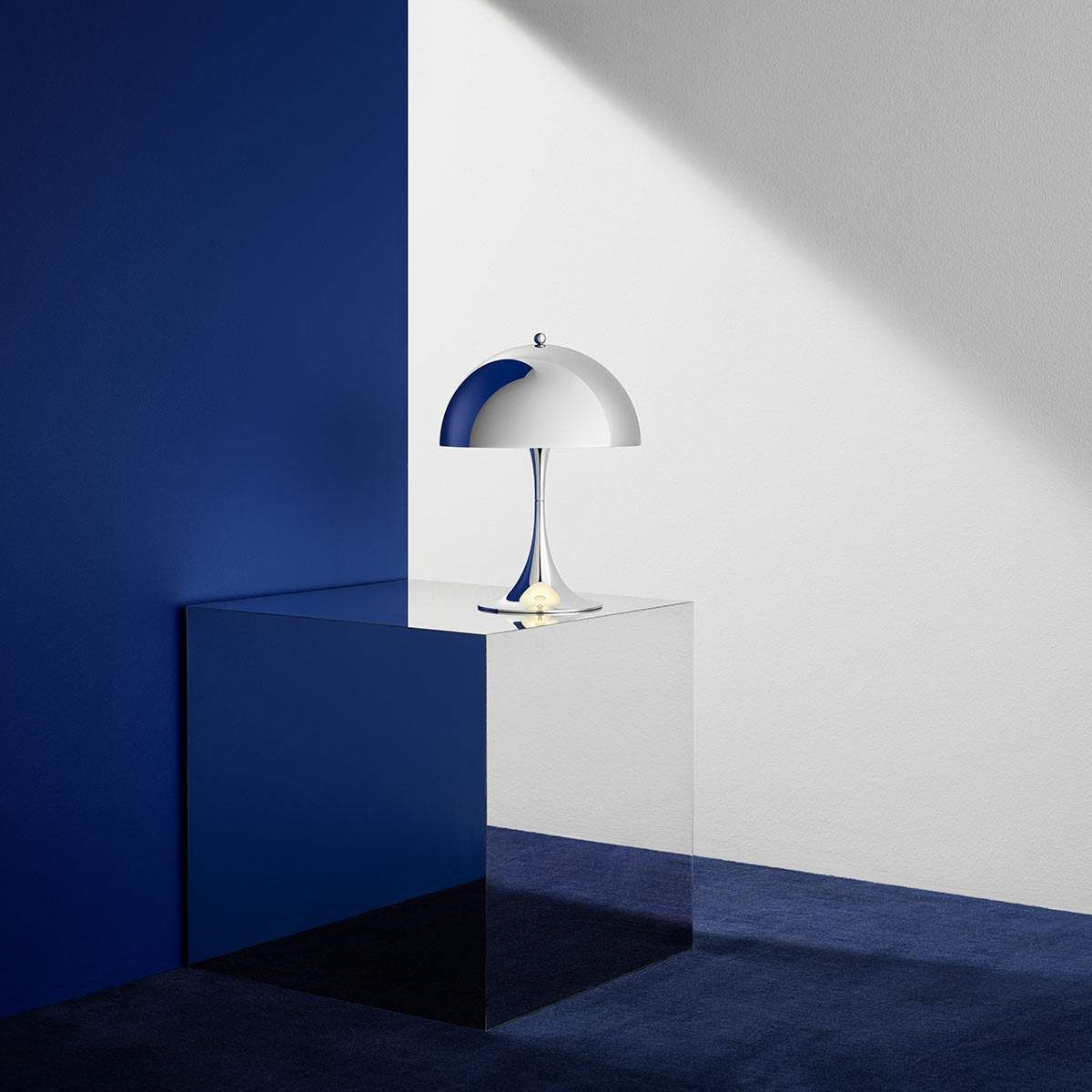 louis poulsen panthella mini lampe led chrom lampe. Black Bedroom Furniture Sets. Home Design Ideas
