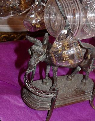 Art & Antiques - Cave à liqueur-Art & Antiques-Cave à liqueur animaliére  petit âne en régul du