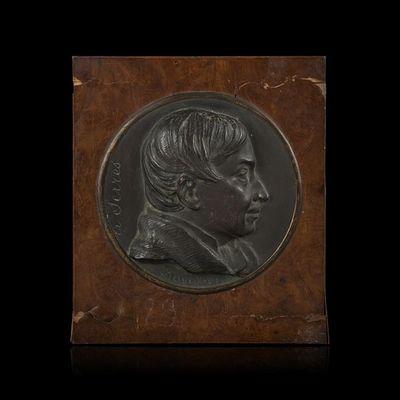 Expertissim - M�daillon-Expertissim-D'apr�s David d'Angers. Bas-relief figurant Augu