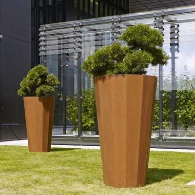 Flora - Bac à arbre-Flora