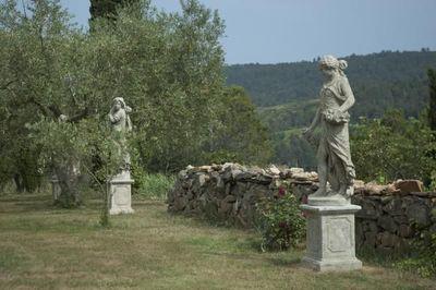 TERRES D'ALBINE - Statue-TERRES D'ALBINE