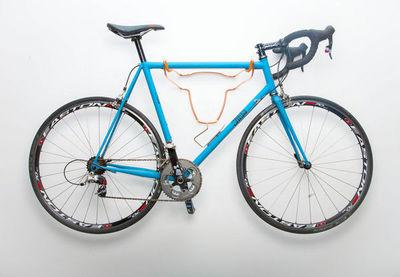 ROSS DOLTON -  Porte-v�los-ROSS DOLTON-bull bike rack - lux