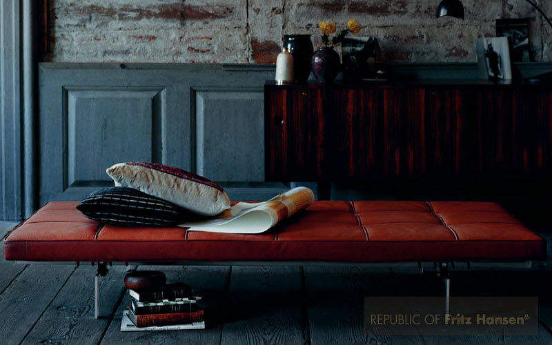 Fritz Hansen Lounge day bed Single beds Furniture Beds Entrance | Design Contemporary