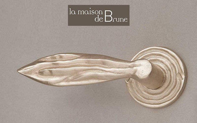 La maison de Brune Lever handle Doorhandles Doors and Windows  |
