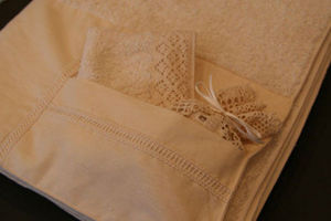 Eline Hortense Children's bath towel