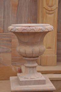 C2nt - antique - Medicis Vase