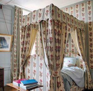 Braquenié -  - Double Canopy Bed