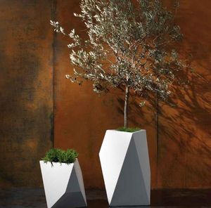 BYSTEEL - kobol - Tree Pot