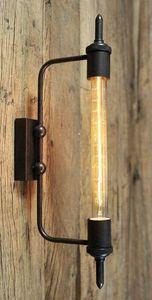 UTTERNORTH - apt - Wall Lamp