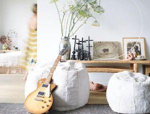 Maison De Vacances - lapin rasé - Floor Cushion
