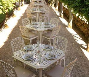 Oxley's -  - Garden Table