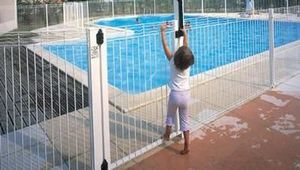 Normaclo -  - Pool Fence